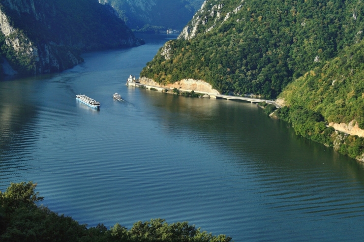beautiful-landscape-canyons-europe-romania-danube-gorges-canyon-rumc3a4nien-rumc3a4nen